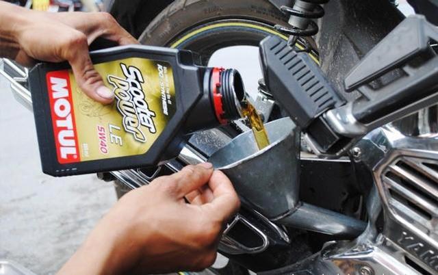 xe máy bị hao xăng