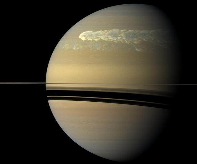 Cơn bão Great White Spot trên sao Thổ