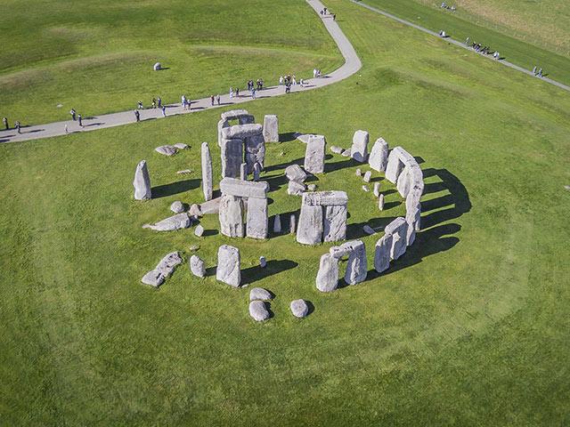 Bí ẩn chưa có lời hồi đáp về Stonehenge