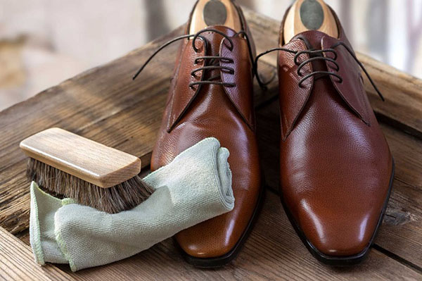 Giày da có đặc điểm gì?