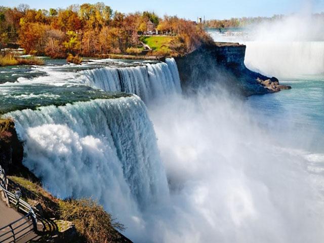 Khám phá thác nước đẹp nhất thế giới