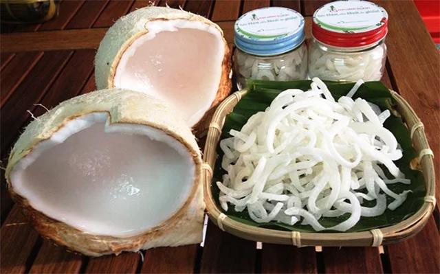 Cách làm mứt dừa non lá dứa tại nhà