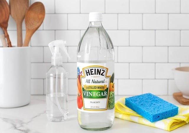 Cách làm sạch vòi nước inox với giấm ăn