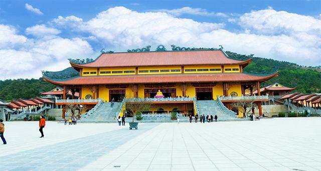 Du lịch chùa nổi tiếng ở miền Bắc
