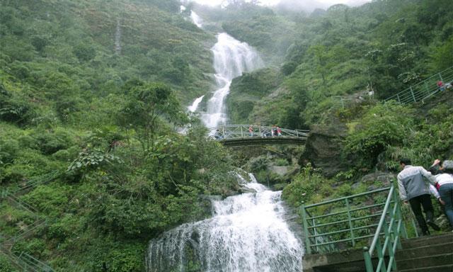 những thác nước đẹp nhất ở việt nam