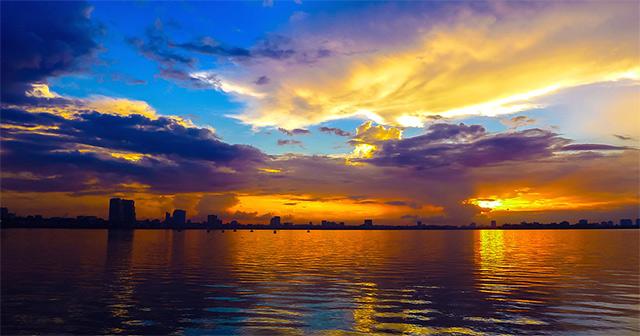 mặt trời lặn ở hướng nào
